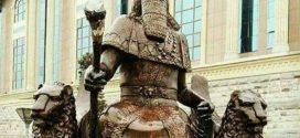 تندیس کوروش در موزه ملی تاجیکستان
